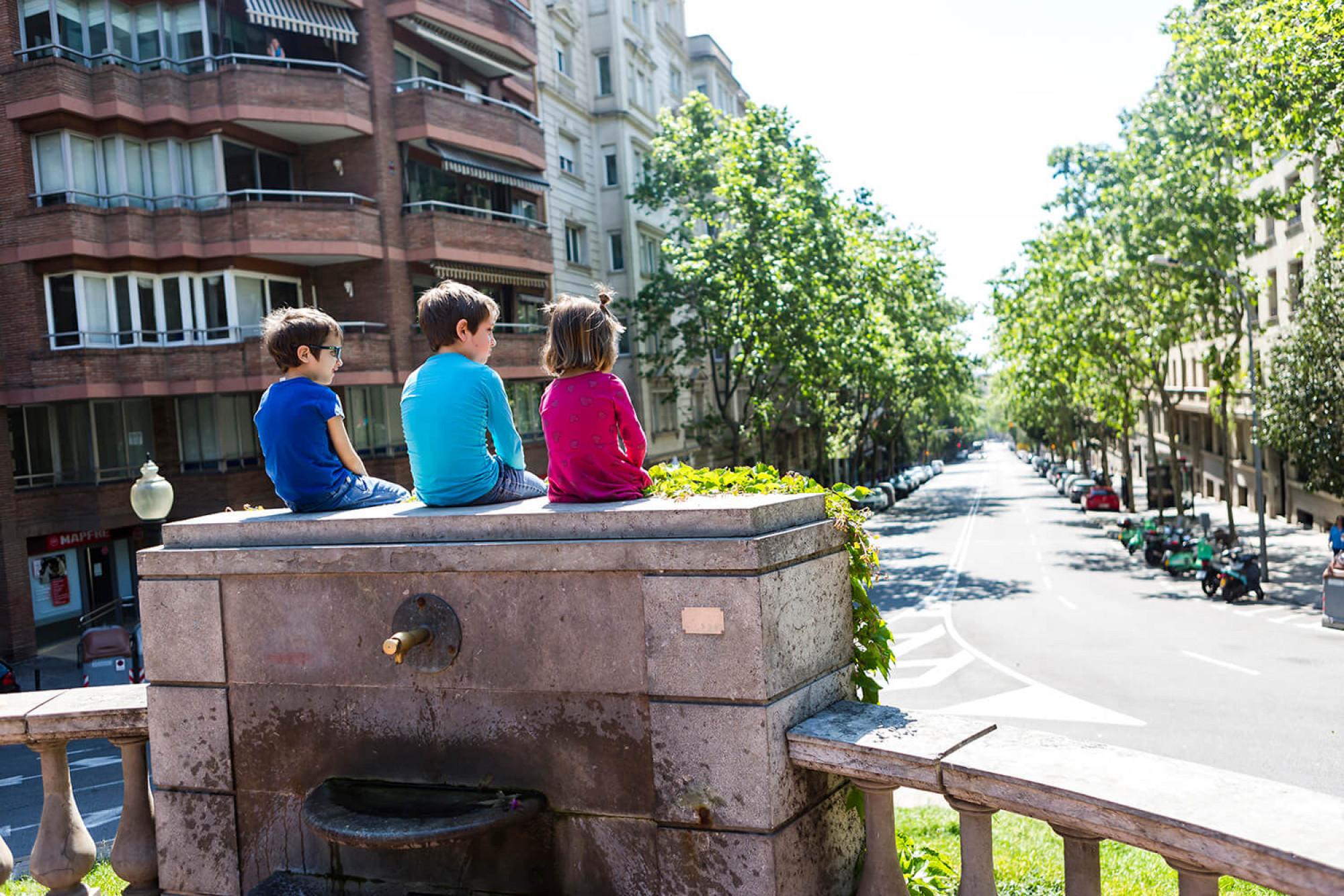 Els nens surten al carrer a Barcelona