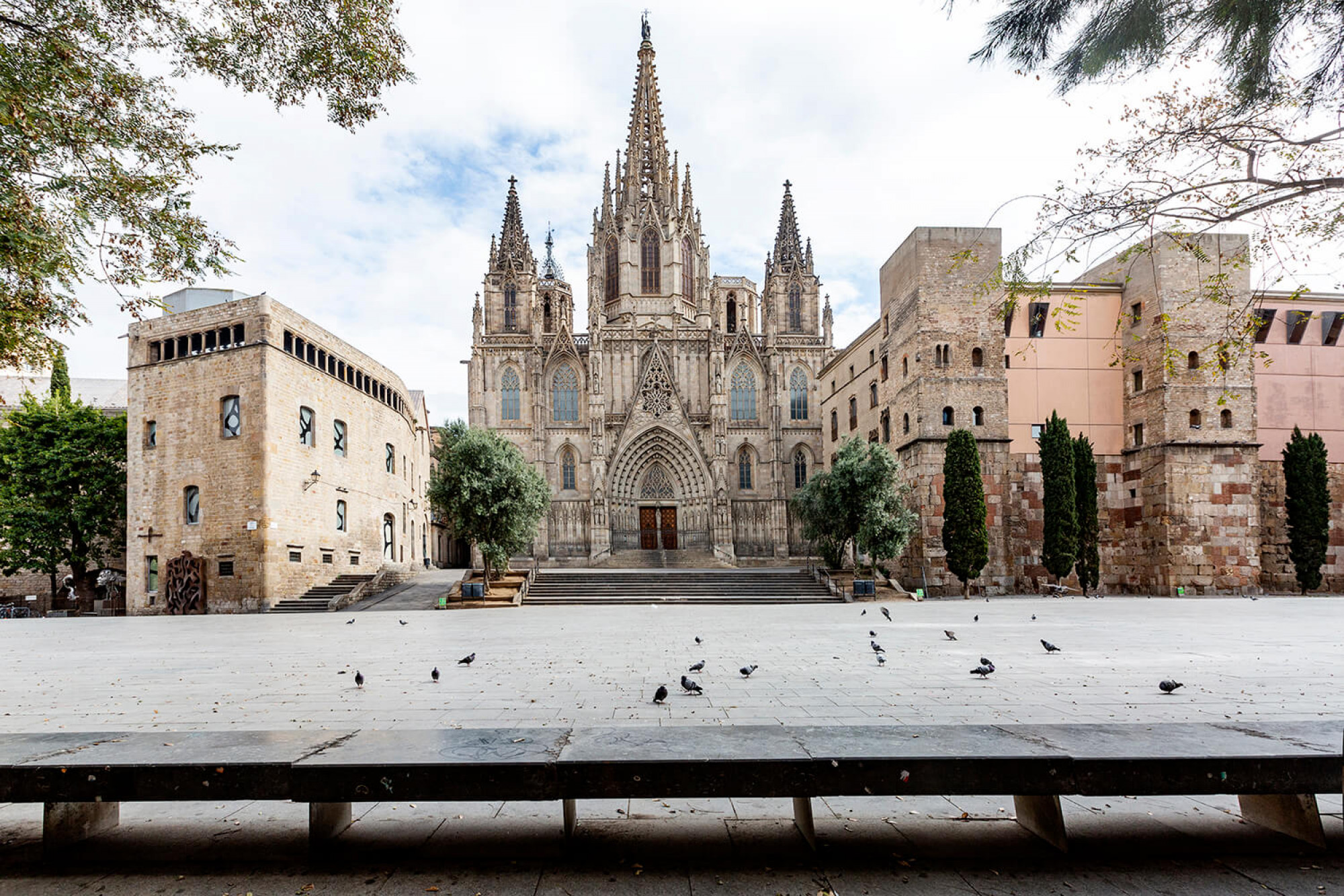 Europa confinada. I Barcelona també ben confinada.