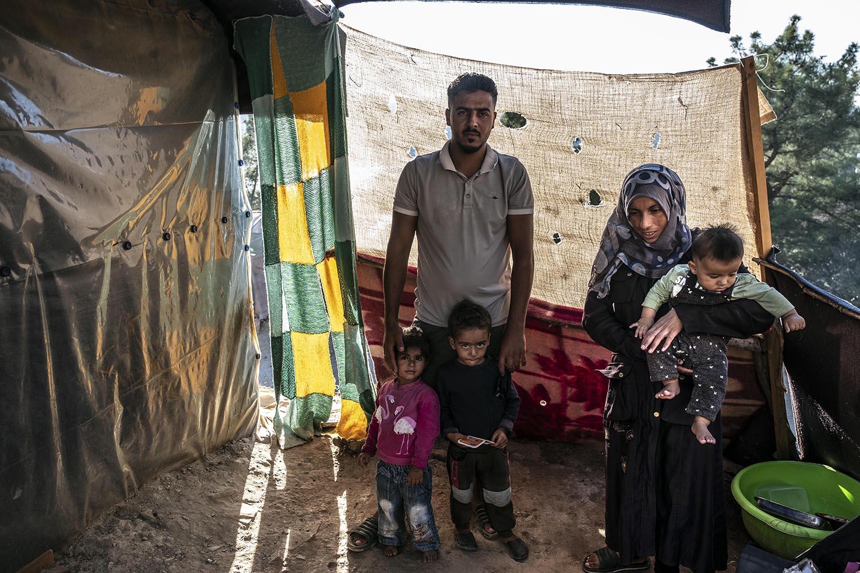 Saleh i Zakia, d'Idlib, amb els seus tres fills.
