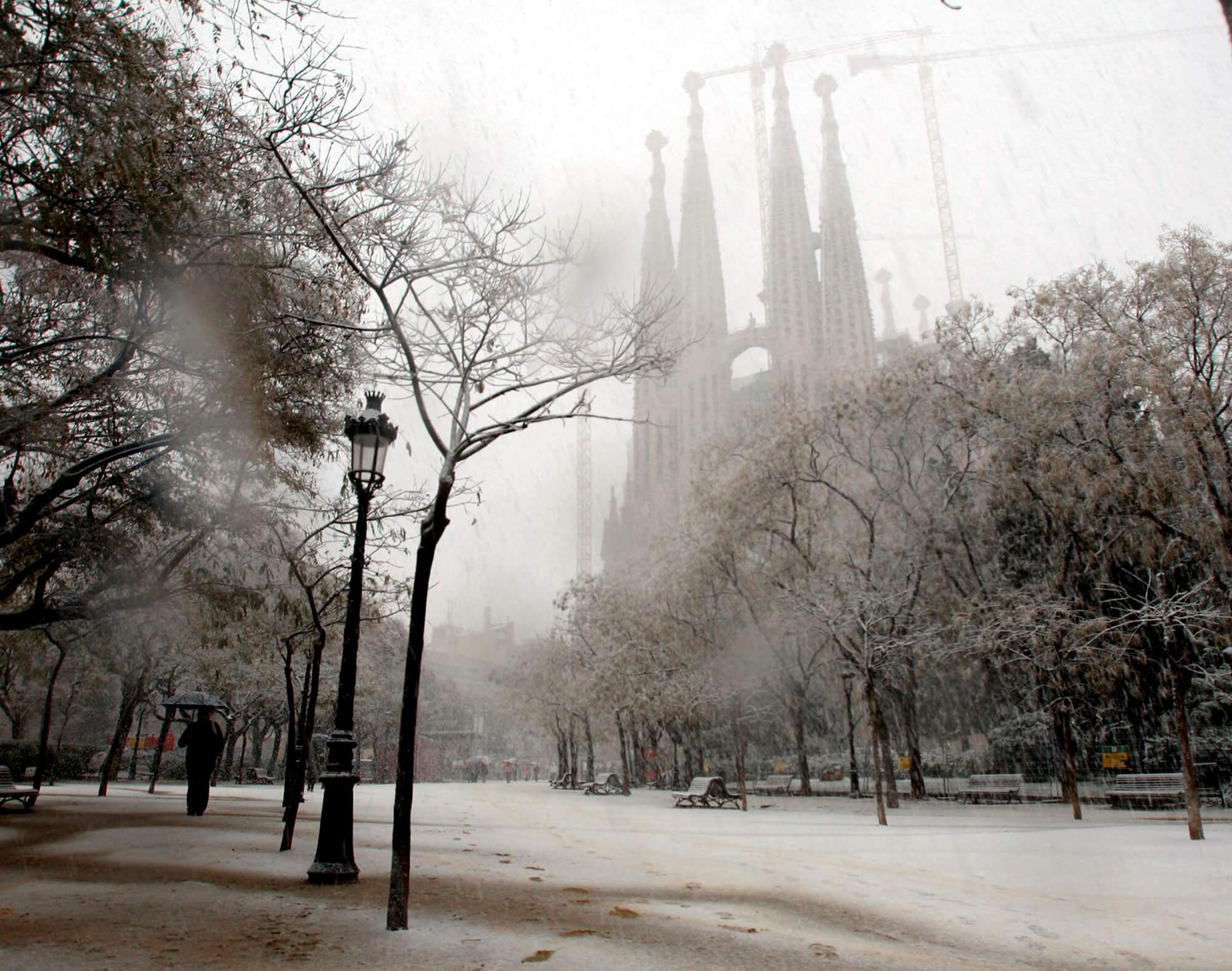 El temple de la Sagrada Família enfarinat.