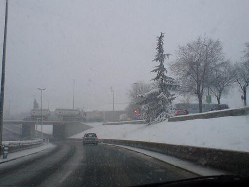La Gran Via de Sabadell abans de passar sota l'últim pont en direcció a la C-58.