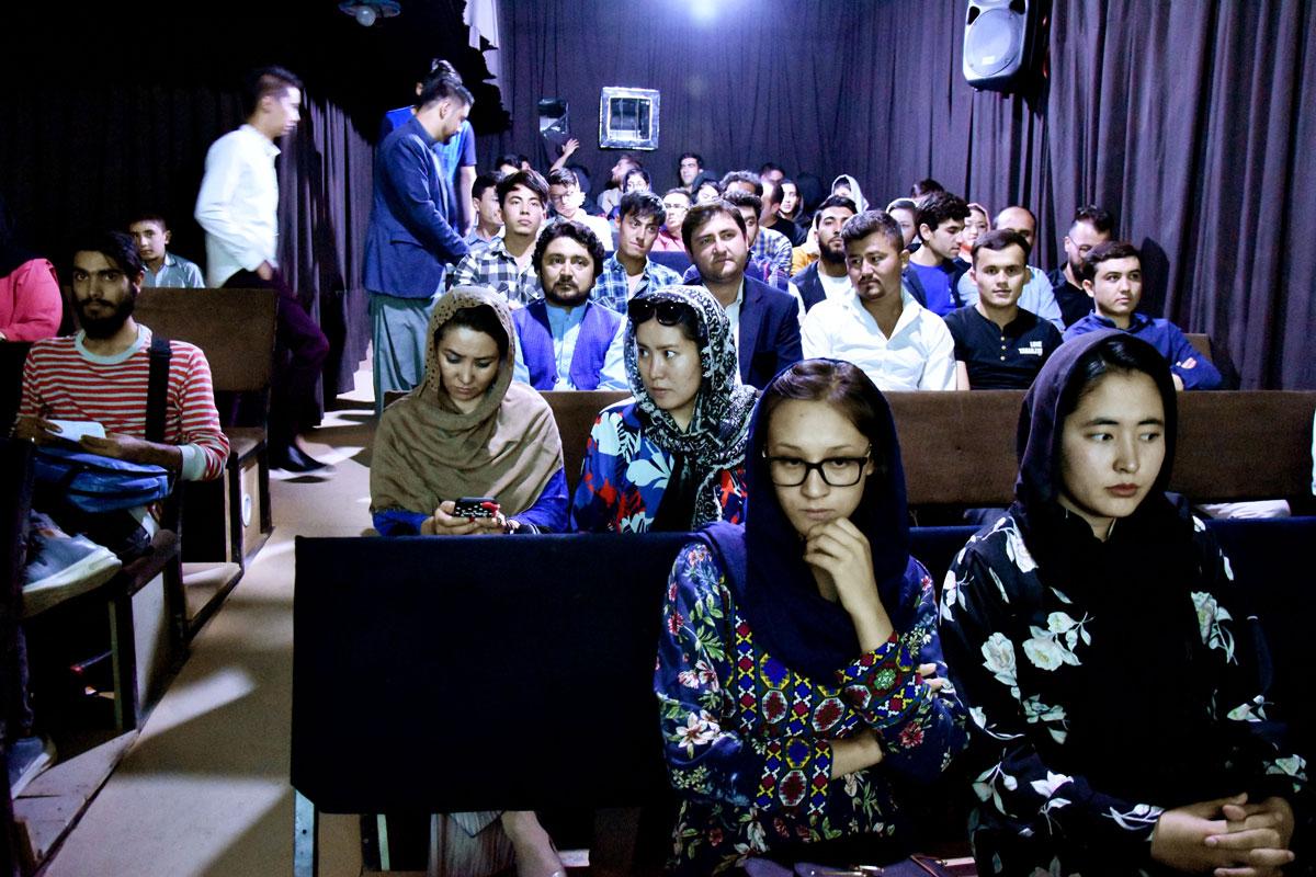 La sala del cinema Ikhanom, dijous passat a Kabul, abans de l'inici de la projecció.